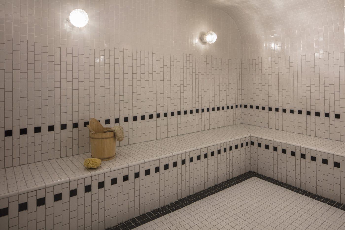 spa les bains paris
