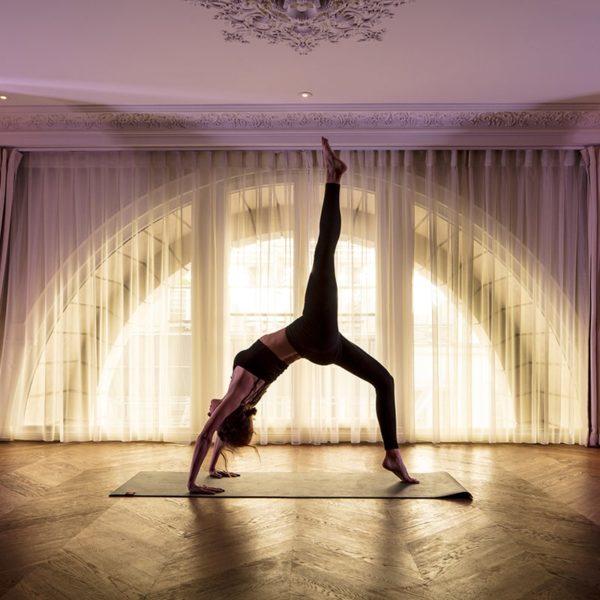 yoga les bains paris